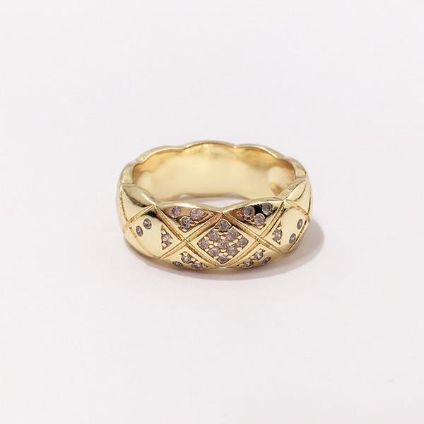 anello d'oro stretto