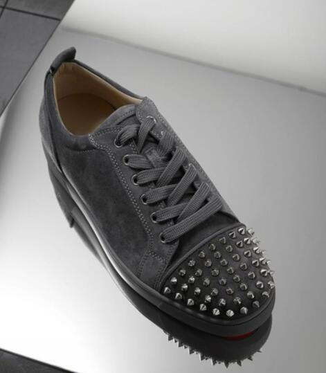 Luxury Spikes Grey Suede Leather Red Bottom Sneaker Shoes Perfect Quality Low Top Rivets Women,Men Factory Price Casual Walking