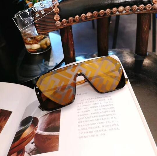 O envio gratuito de new vintage sunglass 41026 audrey moda óculos de sol das mulheres designer Popular quadro grande aba top oversized óculos de sol leopardo