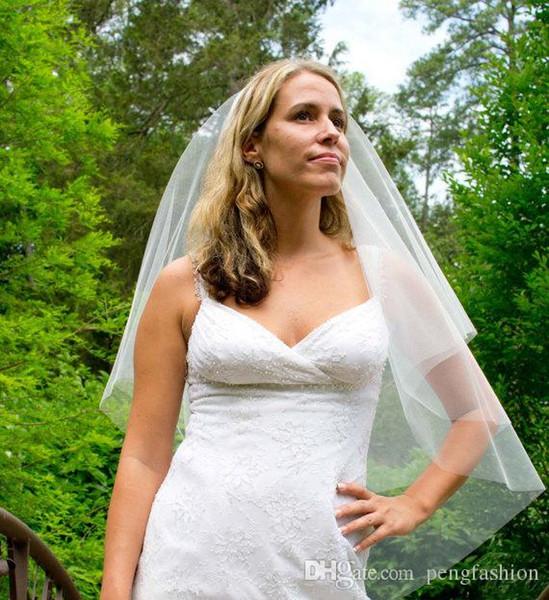 Populaire Blanc Ivoire Champagne Rose Rouge Noir Violet Veils mariée à deux couches Bord de coupe mode élégante Longueur de mariage Fingertip Veils