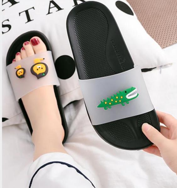 Mens Sandálias Das Mulheres Designer de Sapato de Luxo Deslizamento Moda Verão Largo Plano Sandálias Chinelo Flip Flop tamanho 35-46 caixa de flor zs013