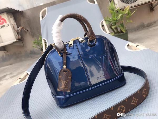 Designer handbagsLV Old flower with patent leather handbags Letter printing tote bag One-shoulder diagonal handbag Handbag 19 new luxury bra