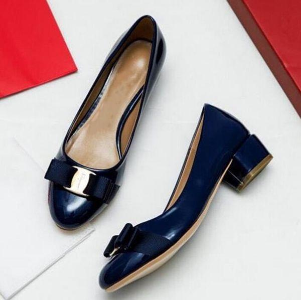 Nueva moda de primavera y verano, zapatillas de ballet, espectáculo para mujeres, viento europeo y americano, boca baja, sandalias de tacón alto.