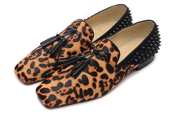 Homens Sapatos de Grife Sapatos de Fundo Vermelho Luxo Festa de Casamento Sapato Estampa de Leopardo Com Borlas Spikes Marca vestido sapatos para mens en2