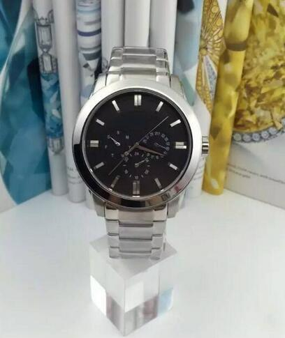 Reloj cronógrafo de cuarzo de moda para hombre HB1512893 Caja de acero inoxidable Correa de cuero negro + caja