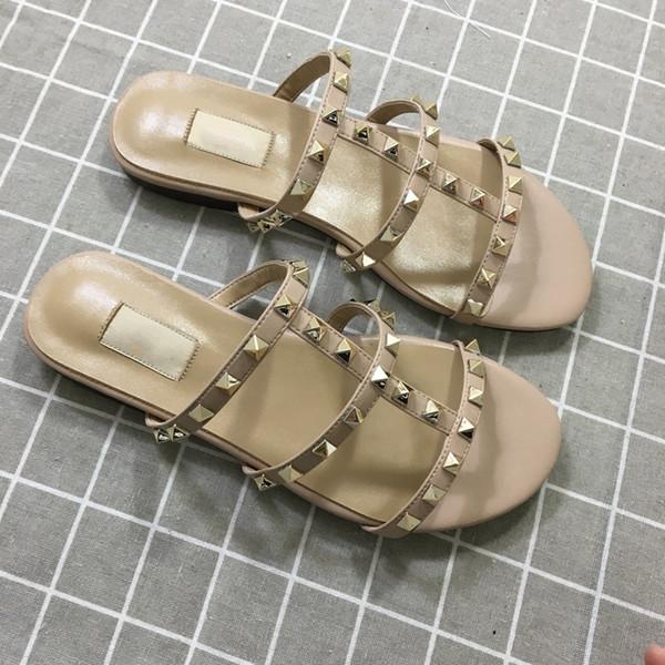 Designer de Luxo Mulheres Chinelos Chegada Nova Venda Quente Rebites Estilo Moda Estilo Clássico Qualidade Sandália Tamanho 35-41