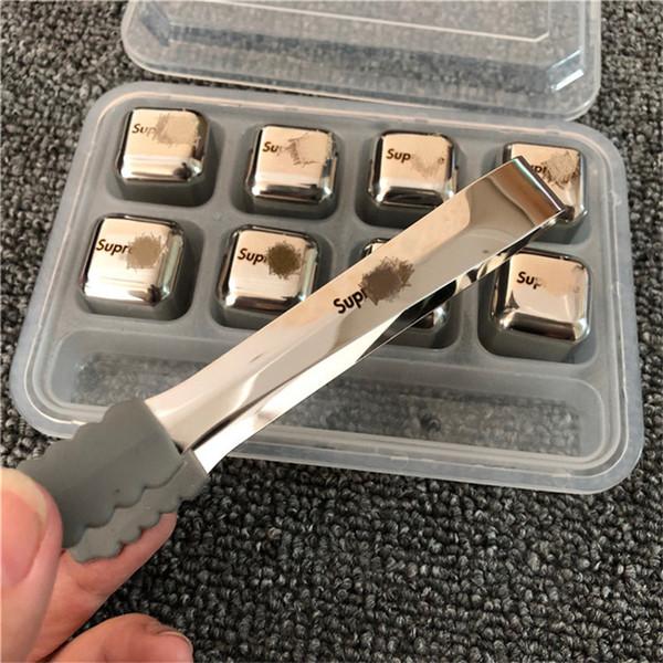 Cubetto di ghiaccio creativo in acciaio inossidabile con lettere Stampa cubetti di ghiaccio in metallo di marca di moda per blocco di bevande ghiacciate Adatto per bar club