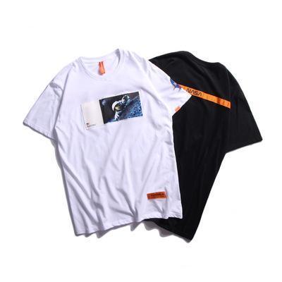 Mens marca de moda de impressão t-shirt 2019 Verão Novo Estilo Casual Tee astronauta impressão Tops soltas masculinos
