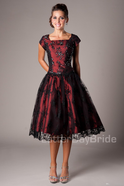 Black And Red Vintage Lace Short Modest Prom Dresses With Cap Sleeves A-line Knee Length Short Prom Cocktail Dress Lace-Up Back Custom Made