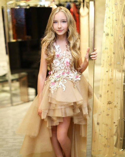 2019 High Low Tiered Flower Girl Dresses for Weddings Little Girls Pageant Dress For Teens 3D Flower Appliqued Tulle Communion Gowns