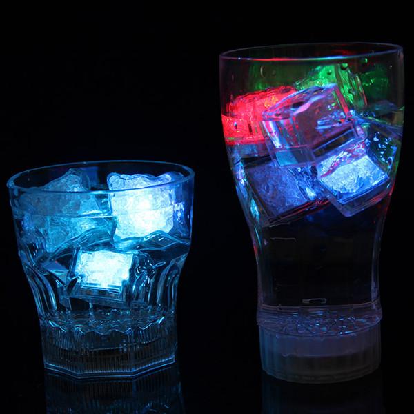 Polycherome flash ice cube couleurs flash allumer un glaçon au plomb pour boisson white Nouveauté Night Light LED Party Lights Rock pour bar club pub