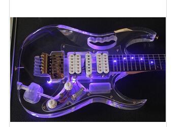 : Frete grátis! guitarra guitarra elétrica de corpo acrílico de 6 cordas e pescoço com guitarras elétricas chinOKe led