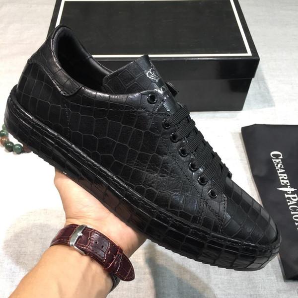 2019 yeni yüksek kaliteli erkek içine dekolte ayakkabı erkek giyim yıldız deri dantel rahat ayakkabılar, orijinal ambalaj ile spor ayakkabı qy
