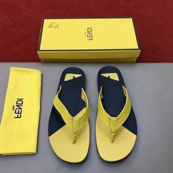 New men's flip-flops stylish and casual style exquisite workmanship comfortable foot Beach flip flops for menon