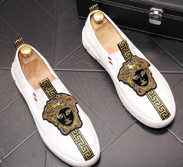 Homme de luxe designer britannique velours broderie Knight oxfords chaussures Homecoming homme chaussures de mariage chaussures de graduation hommes noir blanc