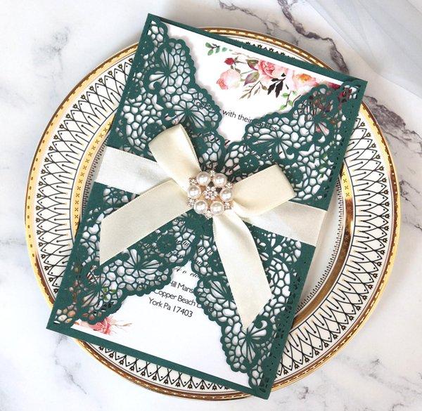 Luxe élégant d'or laser de mariage carte Invitations Paper Cut avec des enveloppes de ruban Personnaliser Wedding Party Décoration Livraison gratuite
