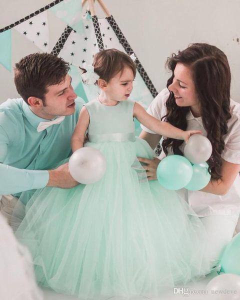 Cheap Mint Green Ball Gown Flower Girls Dresses For Wedding Bow Dress Communion Heart Back Cupcake Pageant Gowns Girls