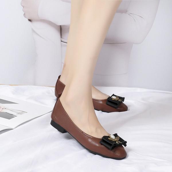 2019 Automne Tendance Nouveau Modèle Femmes Chaussures Simples En Métal Chaussures Boucle Décorer Concise Dames En Cuir Véritable Chaussure En Cuir Livraison Gratuite wl18110604