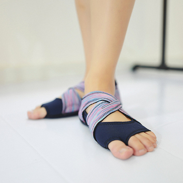 Großhandels-Yoga Socken Sneaker Frauen Aerial Yoga-Bügel-Silikon-Training Sport Socken Schuhe Ballettschuh weichen Ballett-Tanz