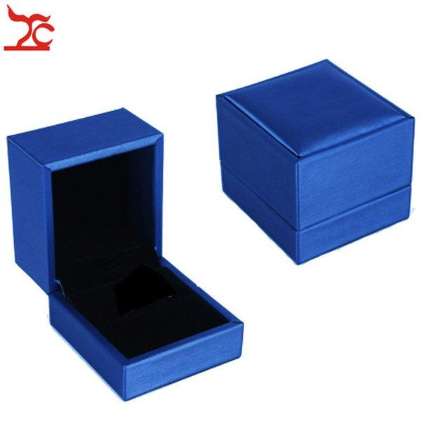 mavi Yüzük