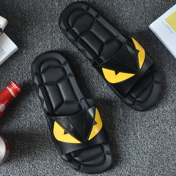 best selling funny slippers men beach sandals summer indoor outdoor flat slides slippers non-slip male bathroom shoes soft sole high quality