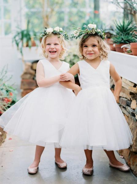 White Flower Girl Dresses 2019 V Neck Puffy Gown Tulle First Communion Dress Little Girl's Pageant Dresses