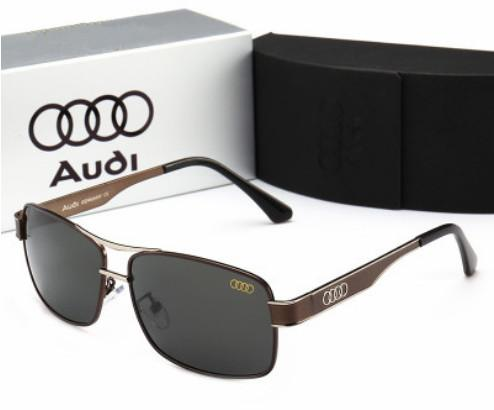 Les lunettes de soleil classiques de luxe vintage sont en vente en 2019. Les montures métalliques pour hommes et pour femmes ne contiennent pas de livraison