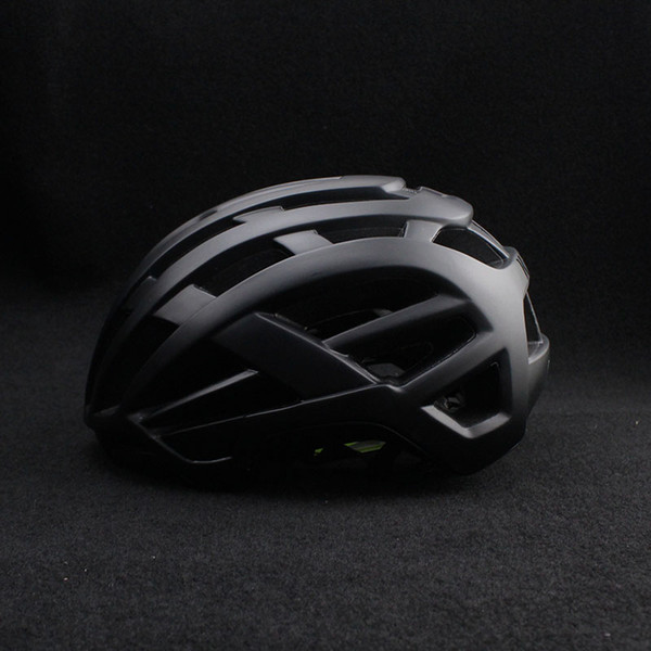 2018 nuevo Ciclismo casco mtb bicicleta casco Accesorios de bicicleta de carretera para mujeres hombres adultos Tamaño 52-58cm Equipo de bicicleta de carreras