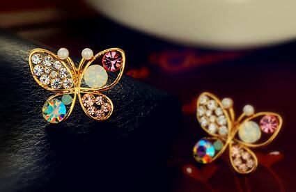Hot Style Korean version jewelry pearl butterfly hollowed out color diamond earrings fashion classic refined elegance