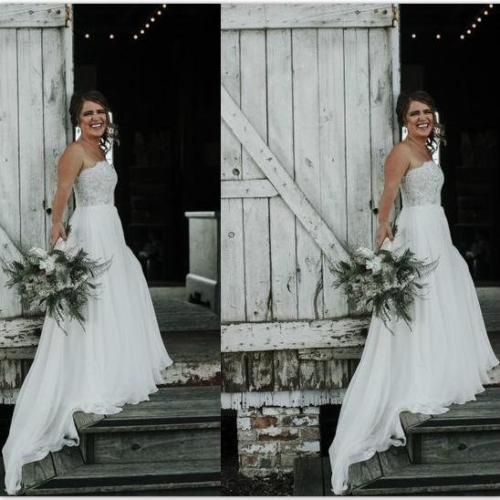 Discount Country Casual Wedding Dresses Lace Strapless Wedding Gown Robe De Mariee Boho Sexy Backless Wedding Dress Chiffon Bottom Bridal Gowns