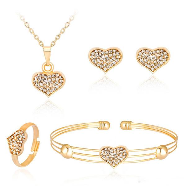 Coeur en cristal Ensemble de bijoux pour les femmes mariage forme d'or amour collier pendentif collier d'oreilles Stud Anneaux Cuff Bracelet Bijoux fantaisie