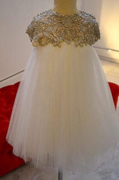 Luxuriöse Perlen Kristalle Blumenmädchenkleider A-Linie Flügelärmeln Sexy Little Girl Brautkleider Vintage Pageant Kleider Kleider F086