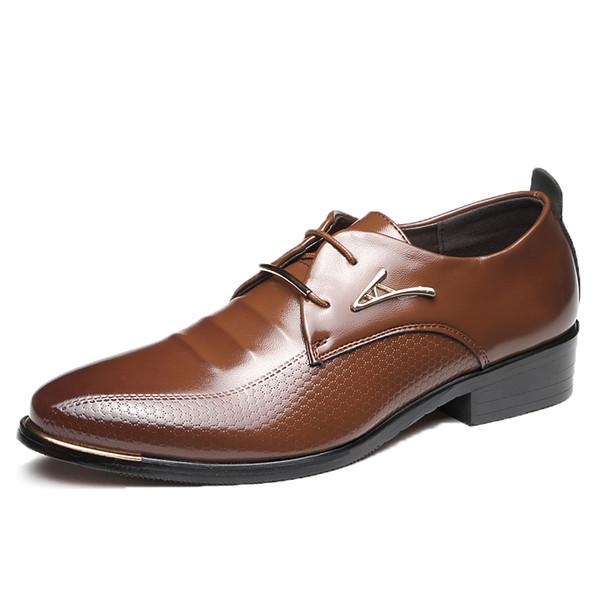 Zapatos de vestir para hombre Moda dedo del pie acentuado con cordones de los hombres de negocios zapatos casuales Marrón Negro Zapatos Oxfords de cuero Tamaño grande 38-48