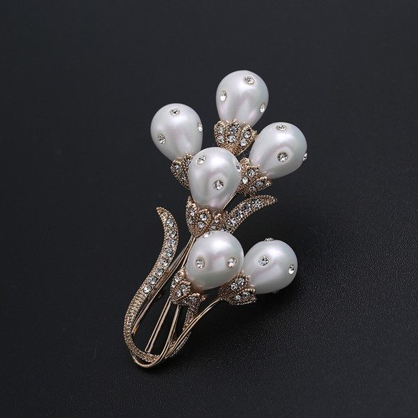 wholesale Mirco Pave CZ Zircon Pins and Brooches Big Flower Mother of Pearls Brooch for Women Dress Decoration Fashion Jewelry