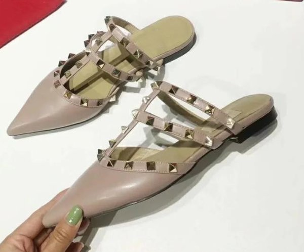 Seven-color summer vacation catwalk shoes design solid color rivets flat-bottomed leather sandals slippers ladies women's shoes waterproof m