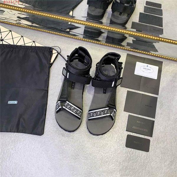 Sandálias de couro das mulheres, sandálias ocasionais dos esportes Sandálias da sapatilha Chinelos baratos Sapatas de borracha antiderrapantes confortáveis do verão