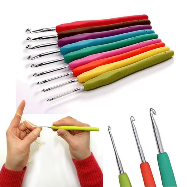 best selling 9PC Set Metal Crochet Hook Knitting Needles Crochet Tool with Soft Handle DIY Knitting Needles