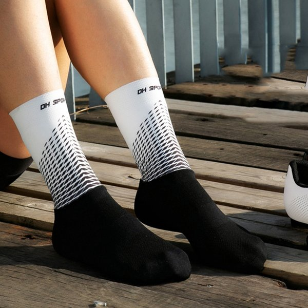 Mens//Womens Cycling Socks Anti-Sweat Bike Short Hose Breathable Black//Gray//White