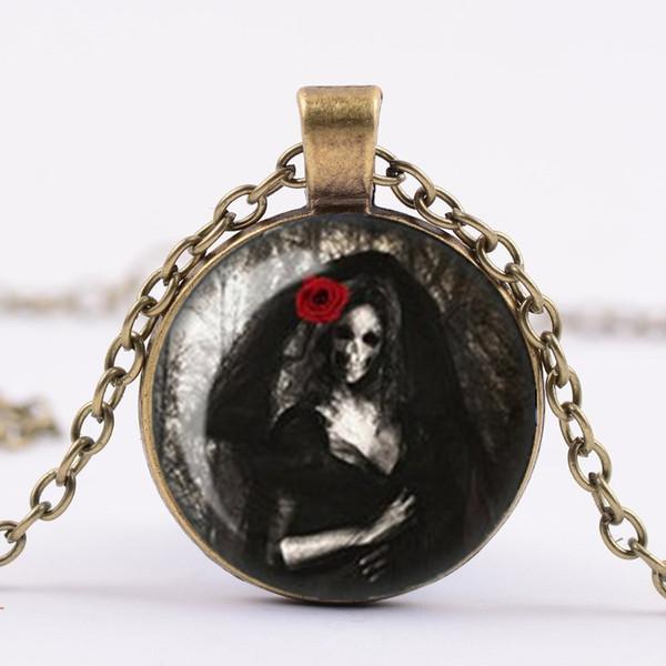 Collar gótico, novia esquelética con el collar del azulejo collar pendiente del encanto del rosa rojo de cristal del camafeo, joyería gótica