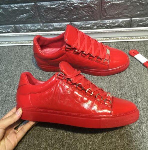 2019 Nuevo diseñador Nombre Marca Mans Calzado casual Kanye West Moda Arrugada de cuero con cordones Zapatillas de corte bajo Runaway Arena Tamaño del calzado 46