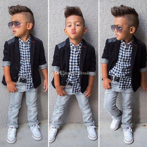 2019 Neonati maschi tuta cappotto + Plaid shirt + jeans 3 pezzi Set di abbigliamento Per bambini vestiti boutique di design Per Bambini Abiti C6285