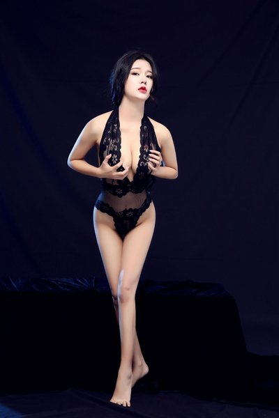 European and American luxury underwear transparent black tightly wrapped lace screen sexy seductive suit