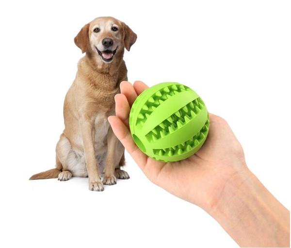 Giocattoli per palline per cani per la pulizia / masticazione / gioco dei denti da compagnia, IQ Treat Giocattoli per la distribuzione di alimenti per palline di palla di gomma morbida non tossica. la dimensione è di 5 cm