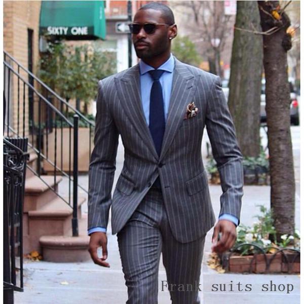 6c56e6d14 Trajes clásicos para hombre Nuevos diseños Moda para hombre Traje de rayas  grises Pantalón de dos