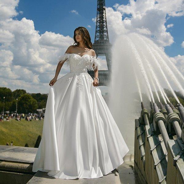 Piuma spalle Abiti da sposa merletto Appliqued raso Linea principessa Classic Design Abiti da sposa 2020 Abiti De Noiva