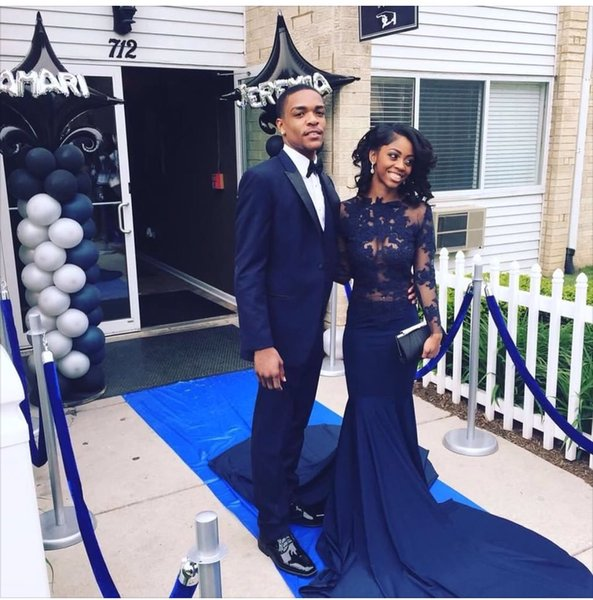 Sexy Black Girl Prom Dresses See Through Illusion Lace Long Sleeve Navy Blue Sweep Train Party Evening Gown 2017 Chic Special Occasion Dress