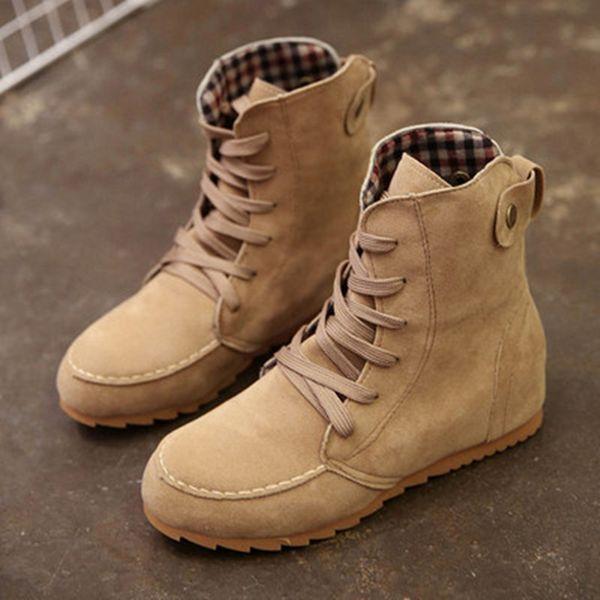 Piattaforma delle donne invernali Martin Boots Lace Up Flats Solid punta rotonda stivaletti Lady scarpe moda casual pulsante decorazione stivali comodi