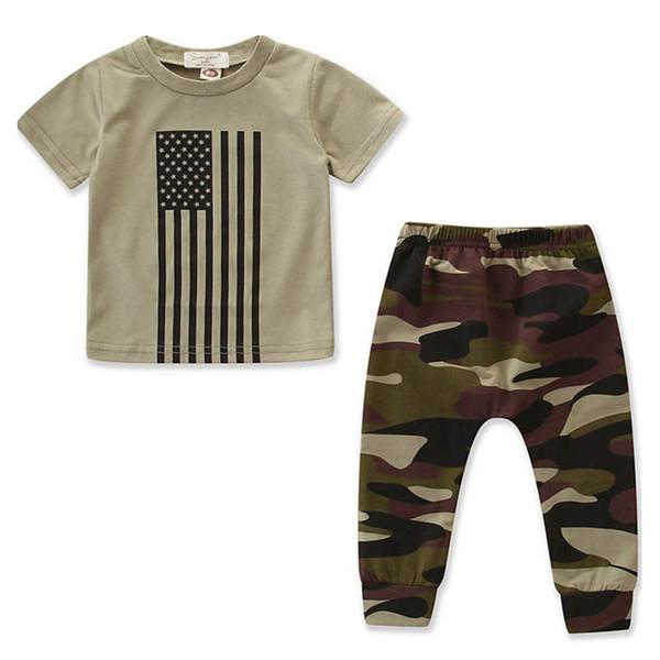 Little Boy Conjuntos de Roupas de Manga Curta Listrada Top Calças de Camuflagem Crianças Designer Define Bandeira Americana Independência Dia Nacional EUA 4 De Julho