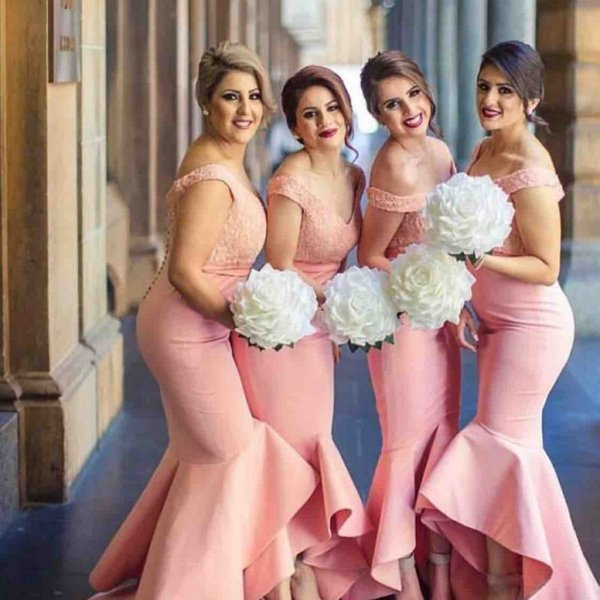 Blush Pink Sirena Vestidos de dama de honor Largo fuera del hombro Alto Bajo Vestido de fiesta de bodas Encaje y tul Tallas grandes Vestidos de dama de honor Baratos