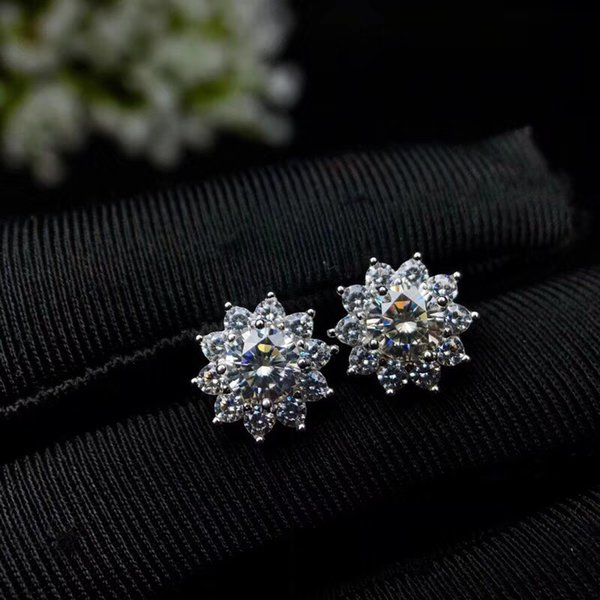 New Arrival 18K White Gold Plated A New Kind Gem Moissanite Diamond 0.5ct Round Cut Big Stone Earrings For Women's Fine Jewelry